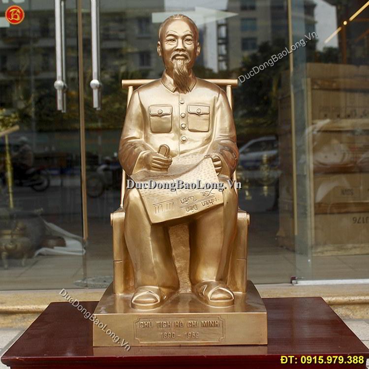 Tượng Bác Hồ Ngồi Đọc Báo Bằng Đồng 61cm