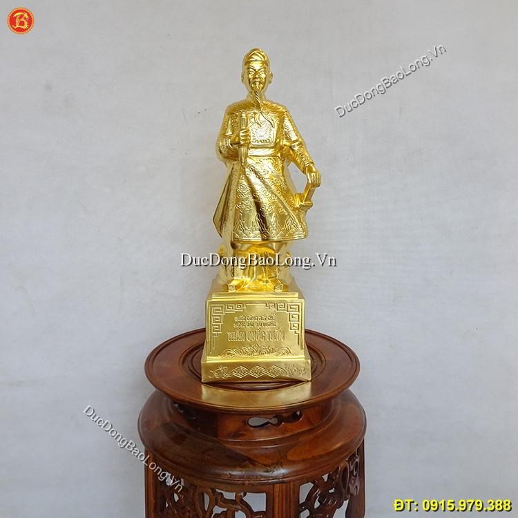 Tượng Trần Hưng Đạo Bằng Đồng Dát Vàng