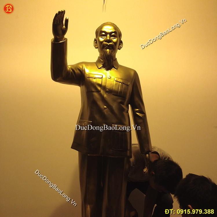 Tượng Đồng Bác Hồ Đứng Vẫy Tay Chào 1m75