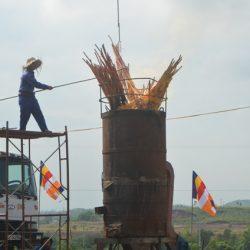 Đúc tượng Phật Thích Ca bằng đồng nặng 3,2 tấn