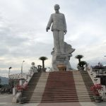 Tượng Đài Bác Hồ Ở Thủy Điện Hòa Bình