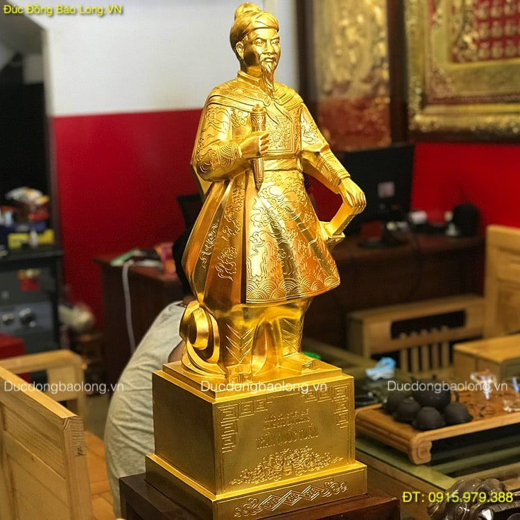 Tượng Trần Hưng Đạo Dát Vàng 9999 Cao 81cm
