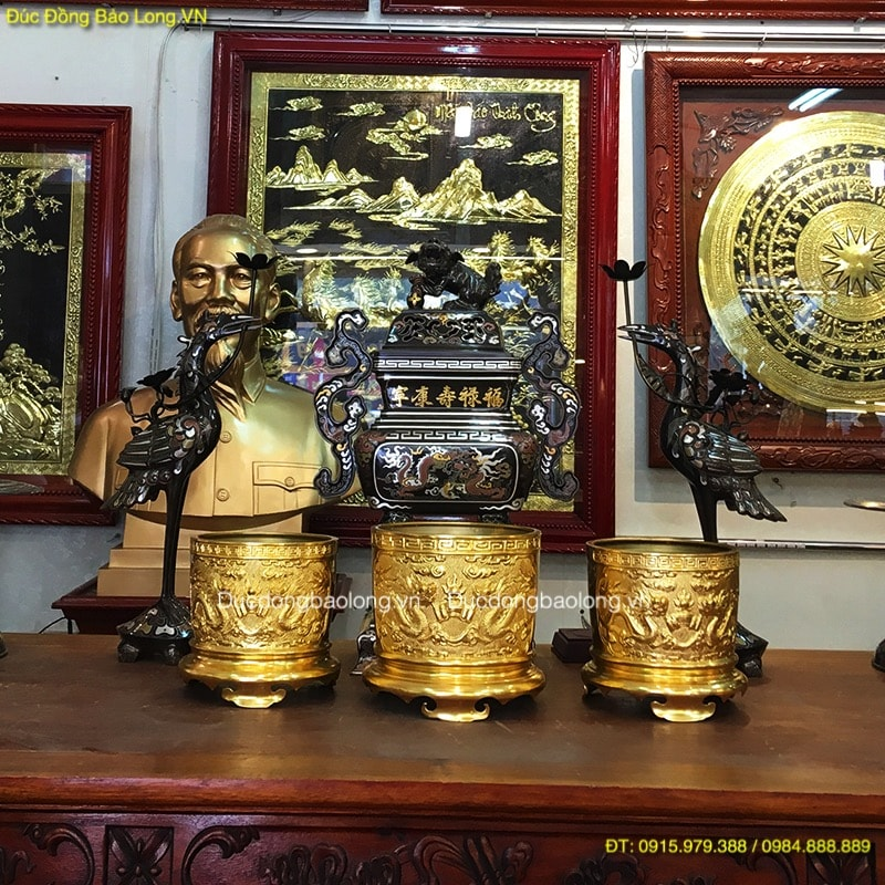 Bát Hương Bằng Đồng Dát Vàng thờ gia tiên