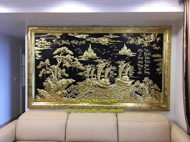 Tranh Thuận Buồm Xuôi Gió 2m62 treo ở Giải Phóng, Hà Nội