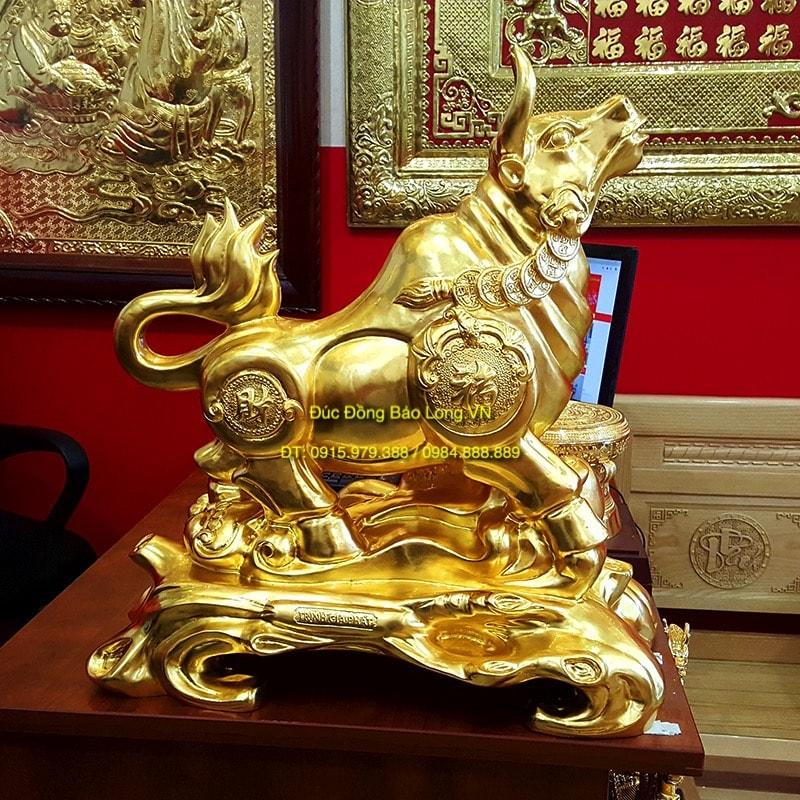 Tượng Trâu Phong Thuỷ Dát Vàng cao 61cm