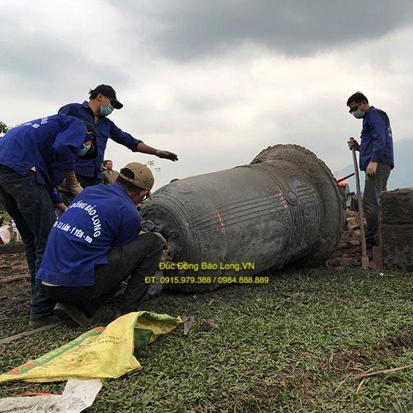 Đúc Đại Hồng Chung nặng 1200kg cho Chùa
