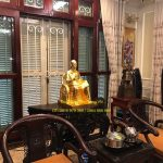 Giao tượng Bác Hồ và tượng Khổng Minh cho khách ở Việt Trì
