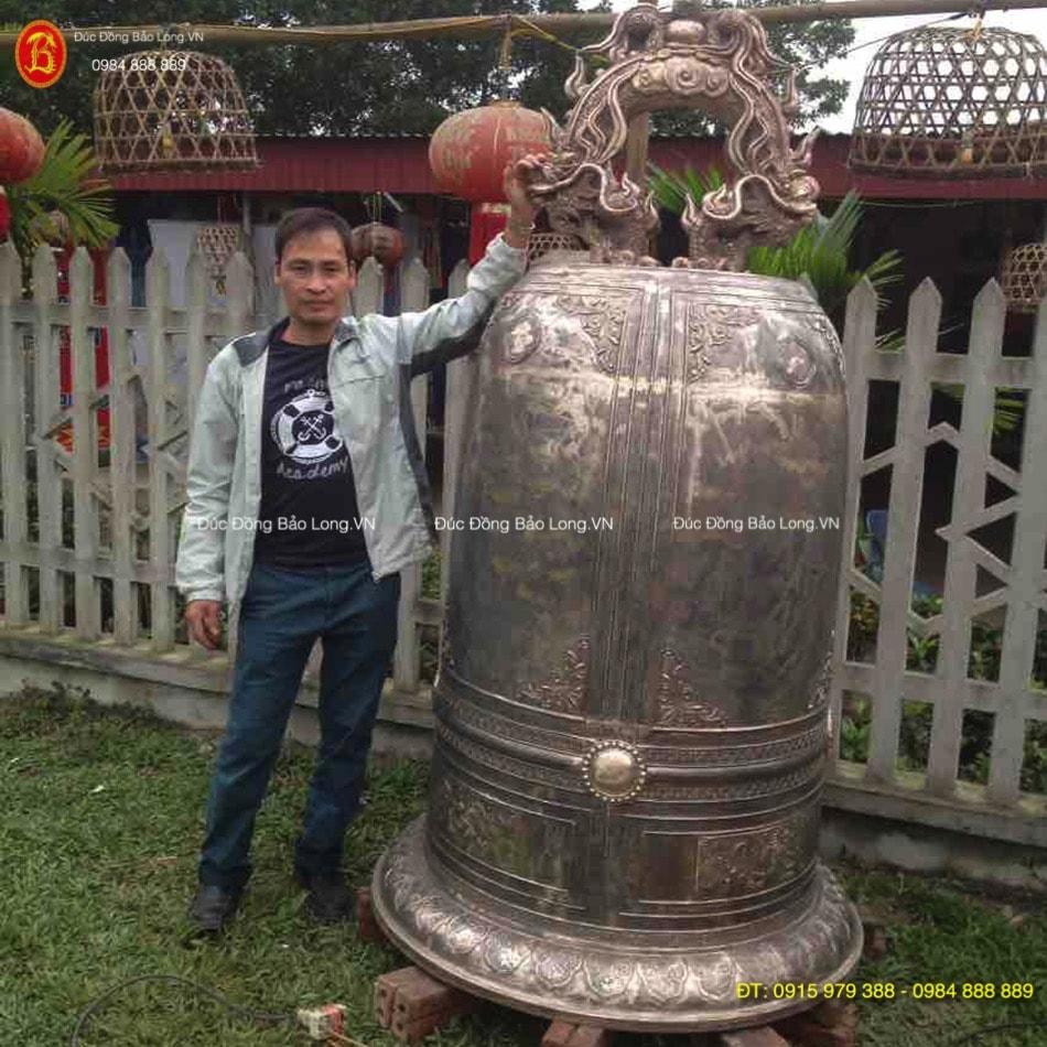 Chuông chùa nặng 1,2 tấn đúc từ đồng đỏ
