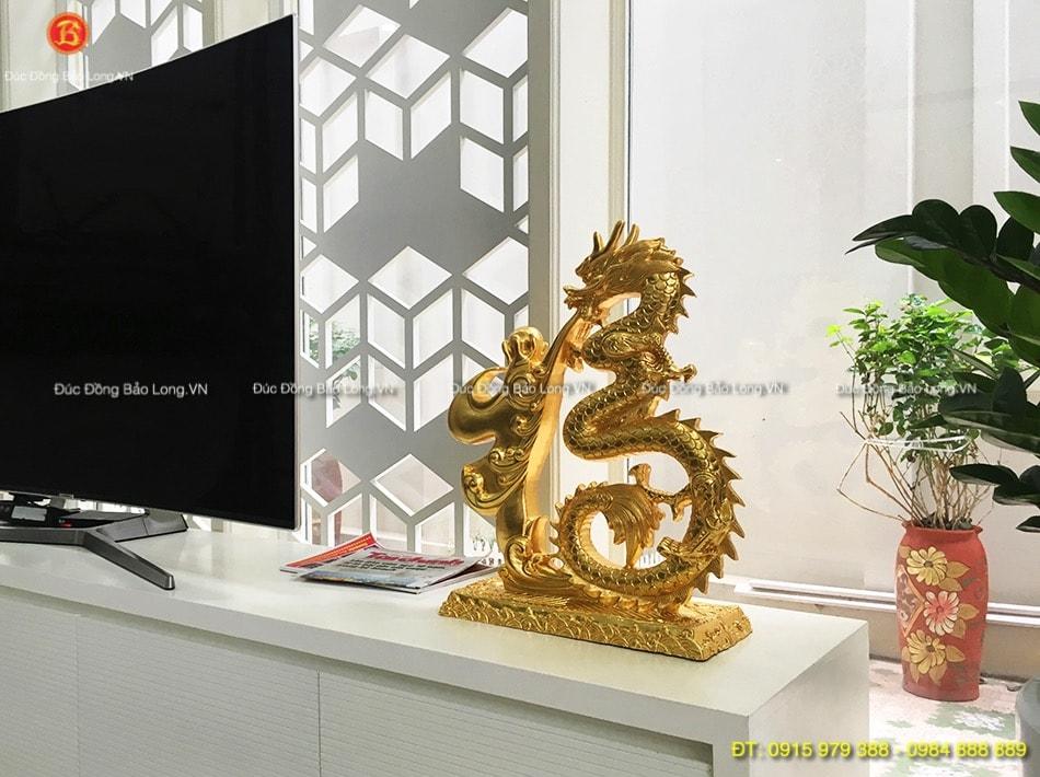Tượng Rồng phun ngọc dát vàng cao 48cm