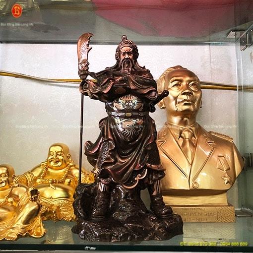 Tượng Quan Công đứng khoanh tay 48cm