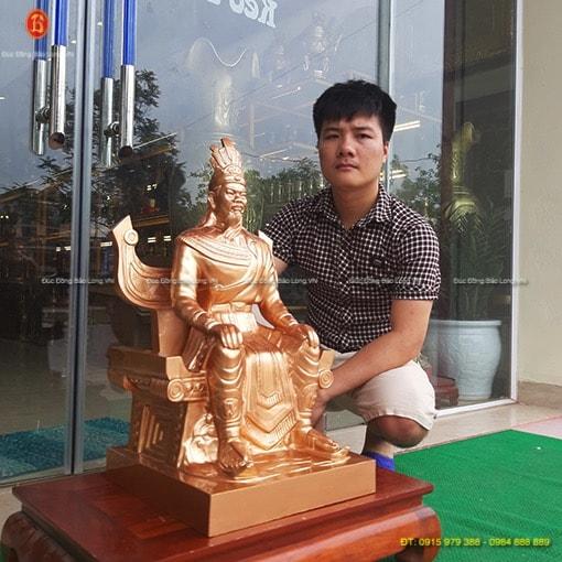 Bán tượng Vua Hùng bằng đồng cao 60cm