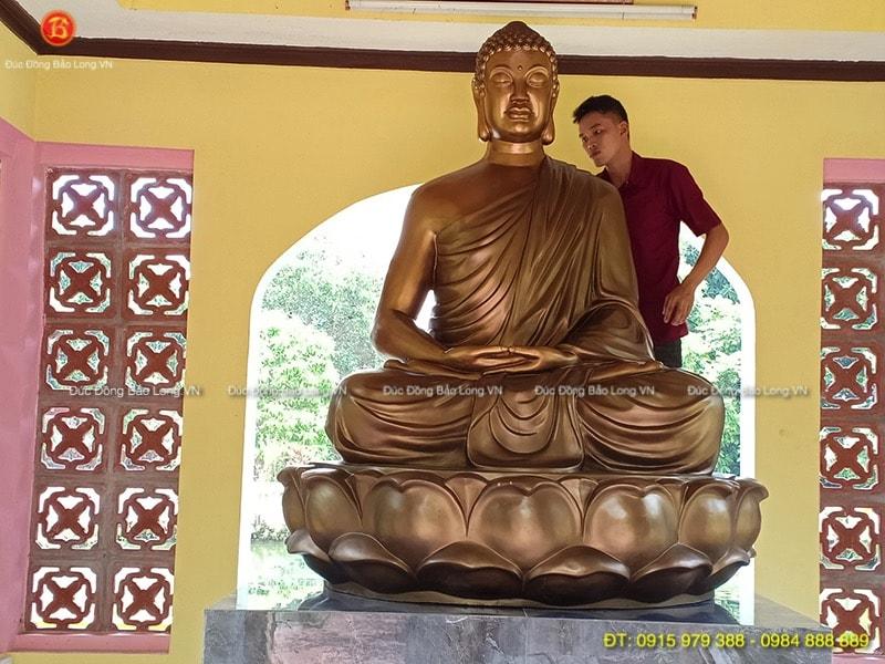 tượng phật thích ca chùa nội phật