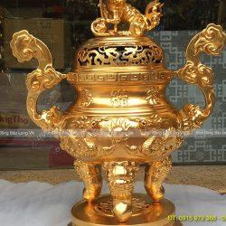 đỉnh thờ dát vàng