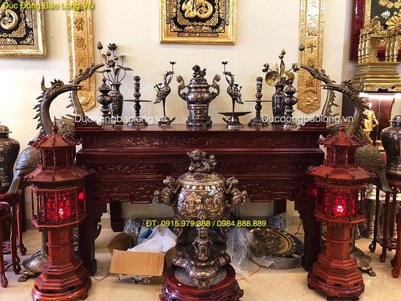 Đồ thờ bằng đồng tại Thạch Thất khảm ngũ sắc