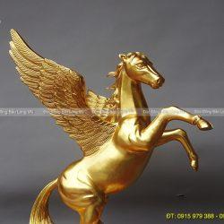 ngựa có cánh phong thuỷ