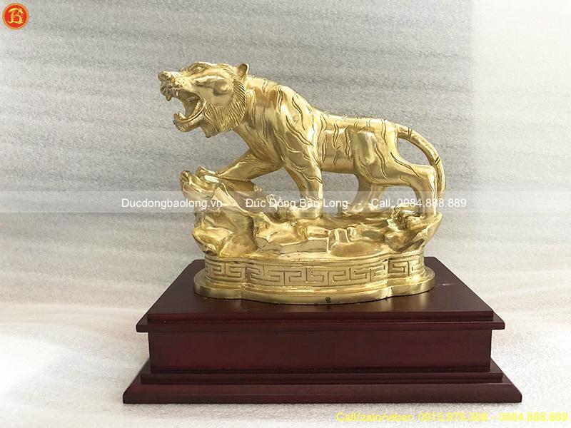 con hổ bằng đồng
