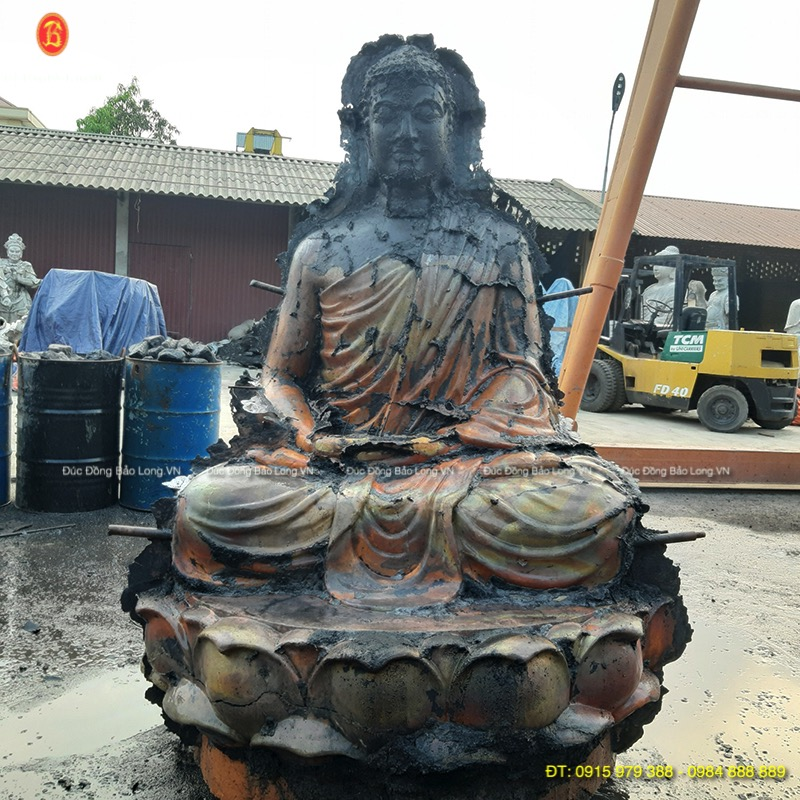 Đúc tượng Phật bằng đồng tại bắc Kạn, sửa nguội