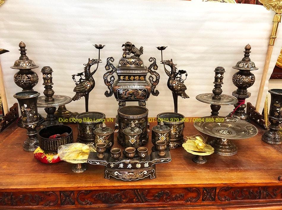 Đồ thờ bằng đồng tại Bình Chánh khảm ngũ sắc