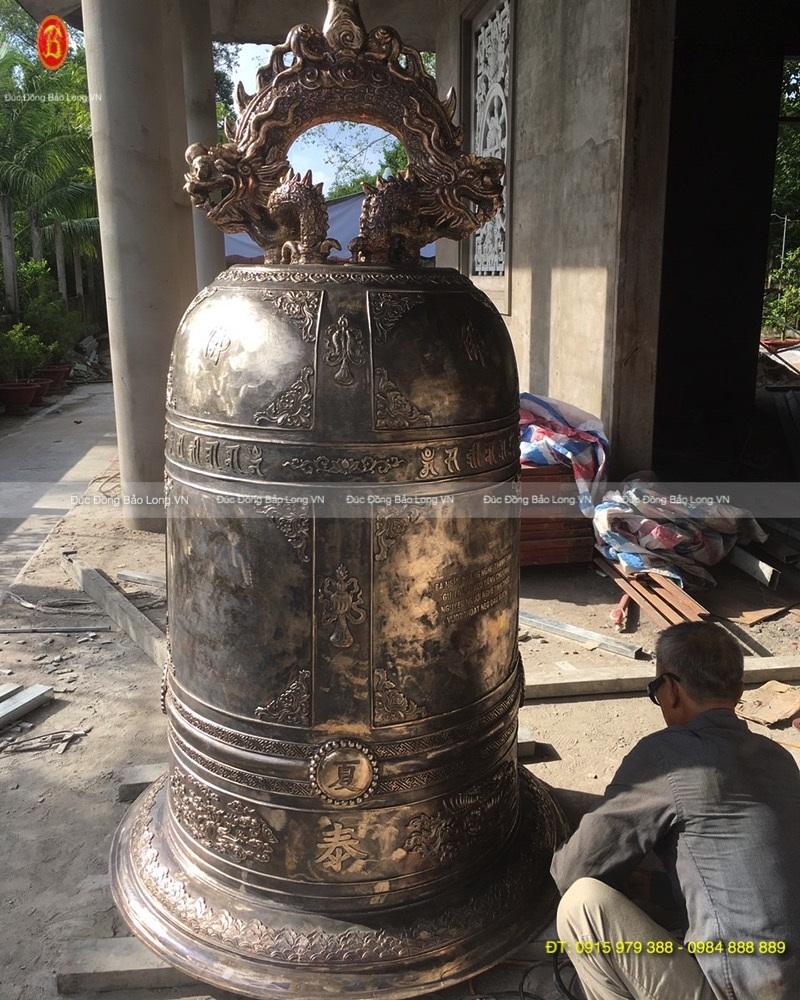 Đúc thủ công chuông đồng tại Bắc Ninh