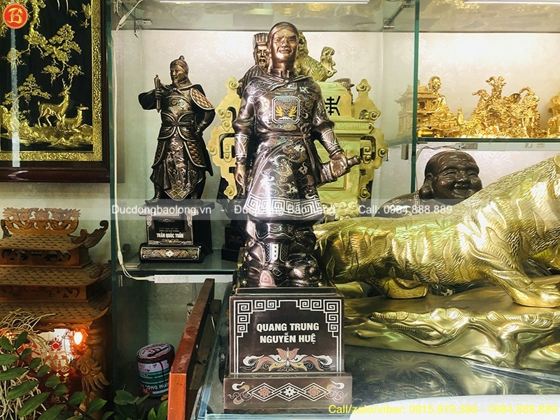 tượng vua Quang Trung