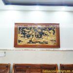 Treo tranh vinh quy bái tổ 1m97 mạ vàng cho khách Tân Bình