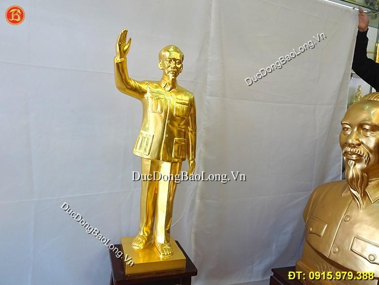 Tượng Bác Hồ Vẫy Tay Chào Dát Vàng Cao 81cm