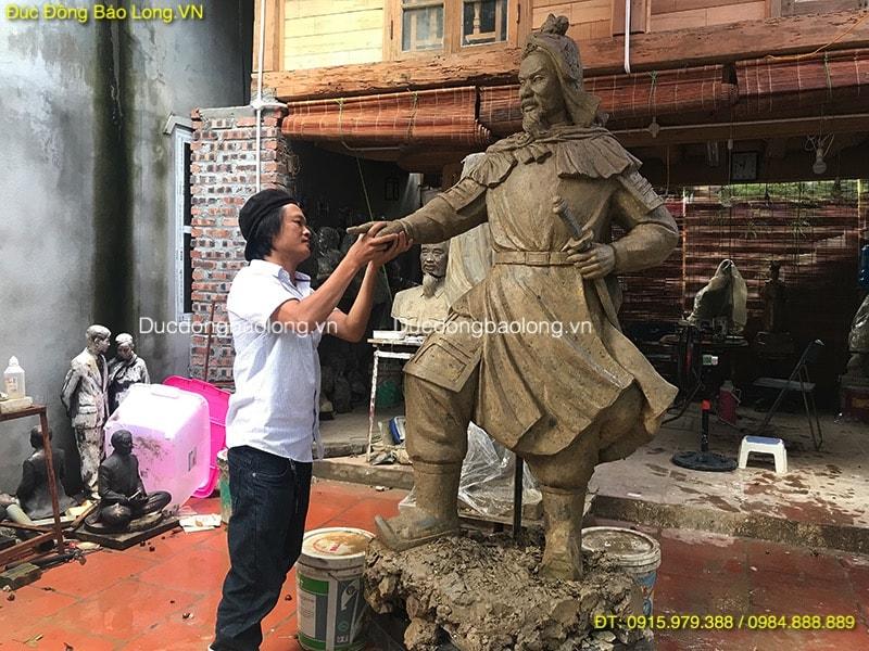 https://ducdongbaolong.vn/wp-content/uploads/2019/01/mau-tuong-dai-tran-hung-dao.jpg