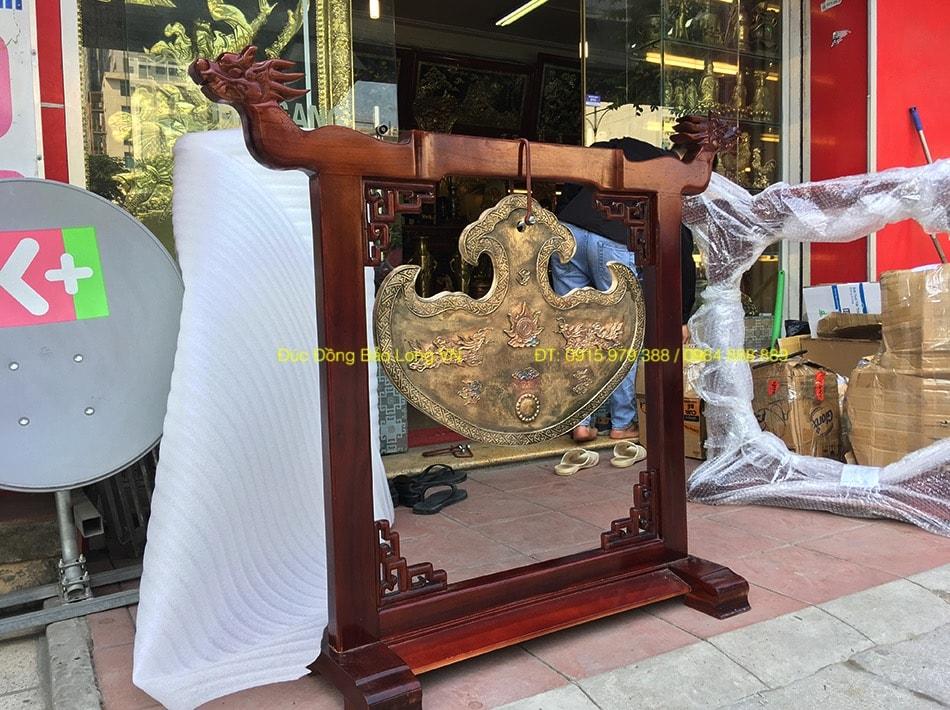Khánh Đồng treo nhà thờ họ nặng 22kg