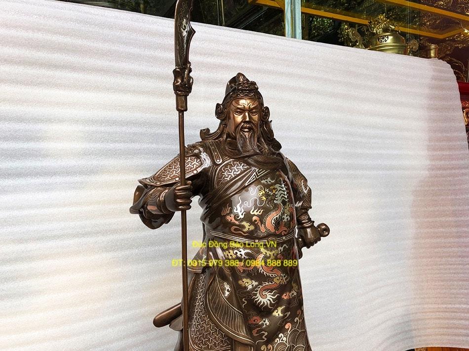 Tượng ông Quan Công khảm vàng bạc 69cm