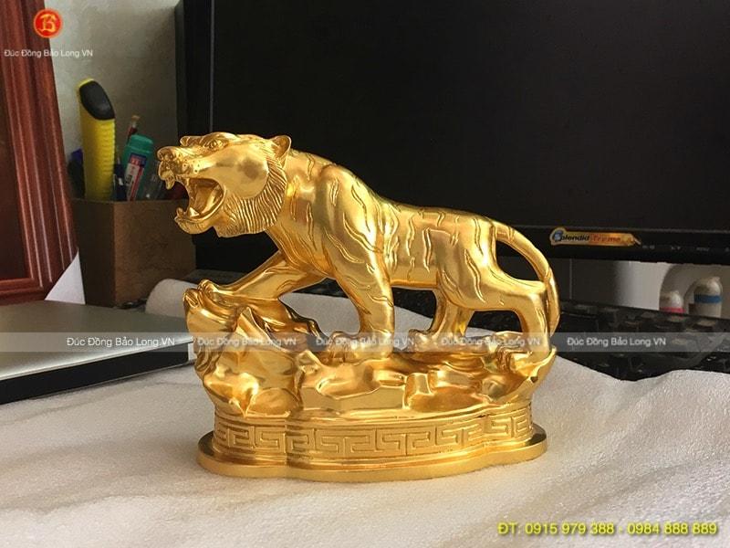 Con Hổ Dát Vàng 9999 đẹp cao 17cm