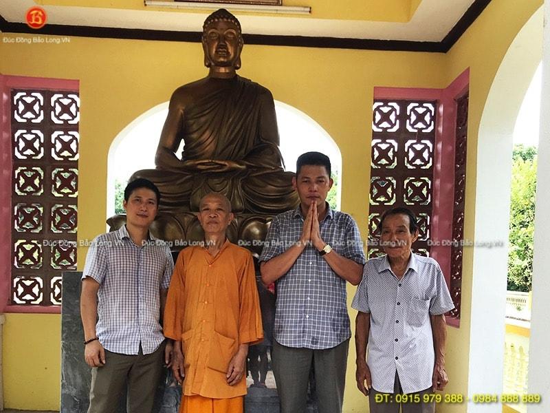 Tượng Phật Thích Ca bằng đồng cao 1m8