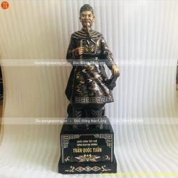 tượng trần quốc tuấn