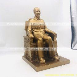 tượng đồng bác hồ ngồi ghế