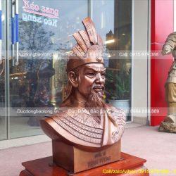 tượng đồng vua hùng bán thân
