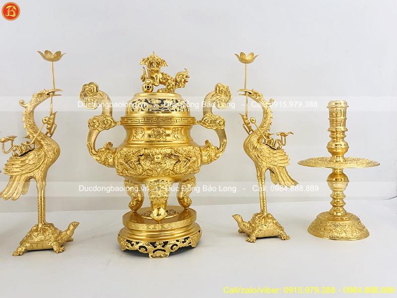 bộ ngũ sự thờ cúng dát vàng