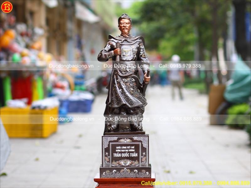 tượng trần hưng đạo bằng đồng