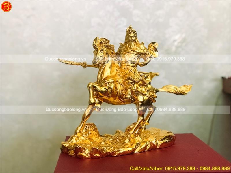 tượng quan công cưỡi ngựa dát vàng