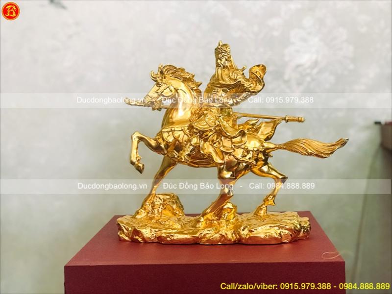 tượng quan công cưỡi ngựa mạ vàng