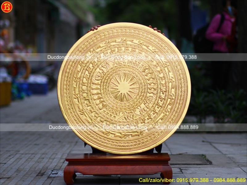 bán mặt trống đồng dát vàng