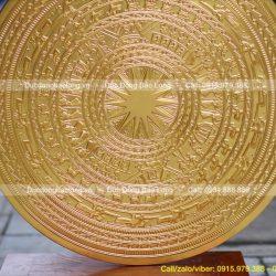mặt trống đồng trang trí dát vàng