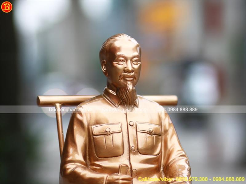 Tượng Đồng Bác Hồ Đọc Báo cao 42cm
