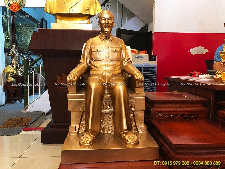 tượng bác hồ ngồi ghế 65cm