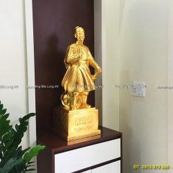 Top 9+ mẫu tượng Trần Hưng Đạo để bàn cao cấp, phong thủy tốt nhất