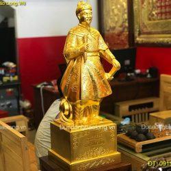 Cửa hàng bán tượng Trần Hưng Đạo đúc thủ công, giá rẻ