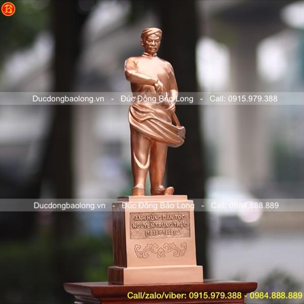 Tượng Nguyễn Trung Trực Bằng Đồng Đỏ cao 48cm