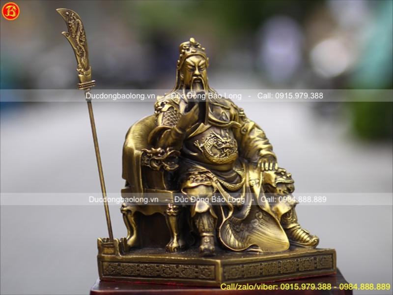 Tượng Quan Công ngồi bằng đồng