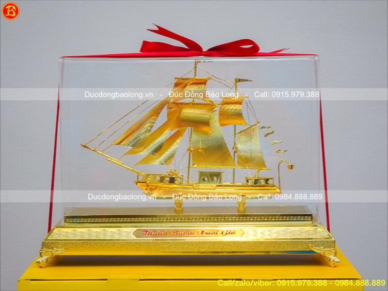 Mô Hình Thuyền Buồm Mạ Vàng Quà Tặng Đẳng Cấp