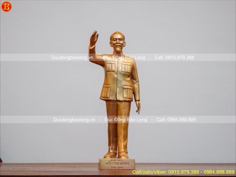 https://ducdongbaolong.vn/wp-content/uploads/2020/12/tuong-bac-ho-bang-dong.jpg