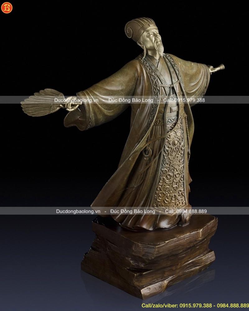 Tượng Khổng Minh đứng dang tay bằng đồng cao 50cm