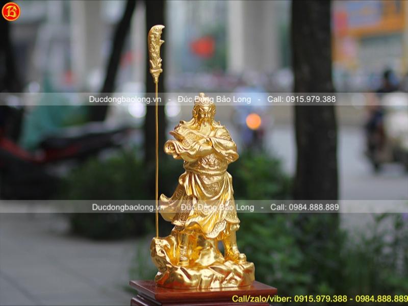 Tượng Quan Công đứng khoanh tay dát vàng 9999 cao 48cm